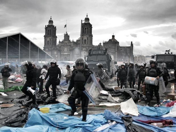Policia Federal y Policias Estatales Mexico Desalojo